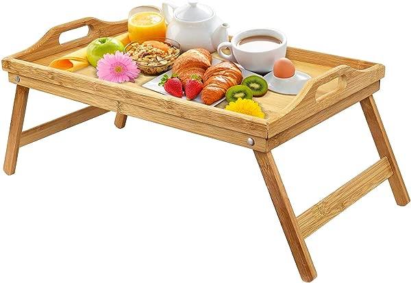 在床上,用热包的烤包,用热包,用热鞋和热床上的按摩,用牙线的食物和晚餐