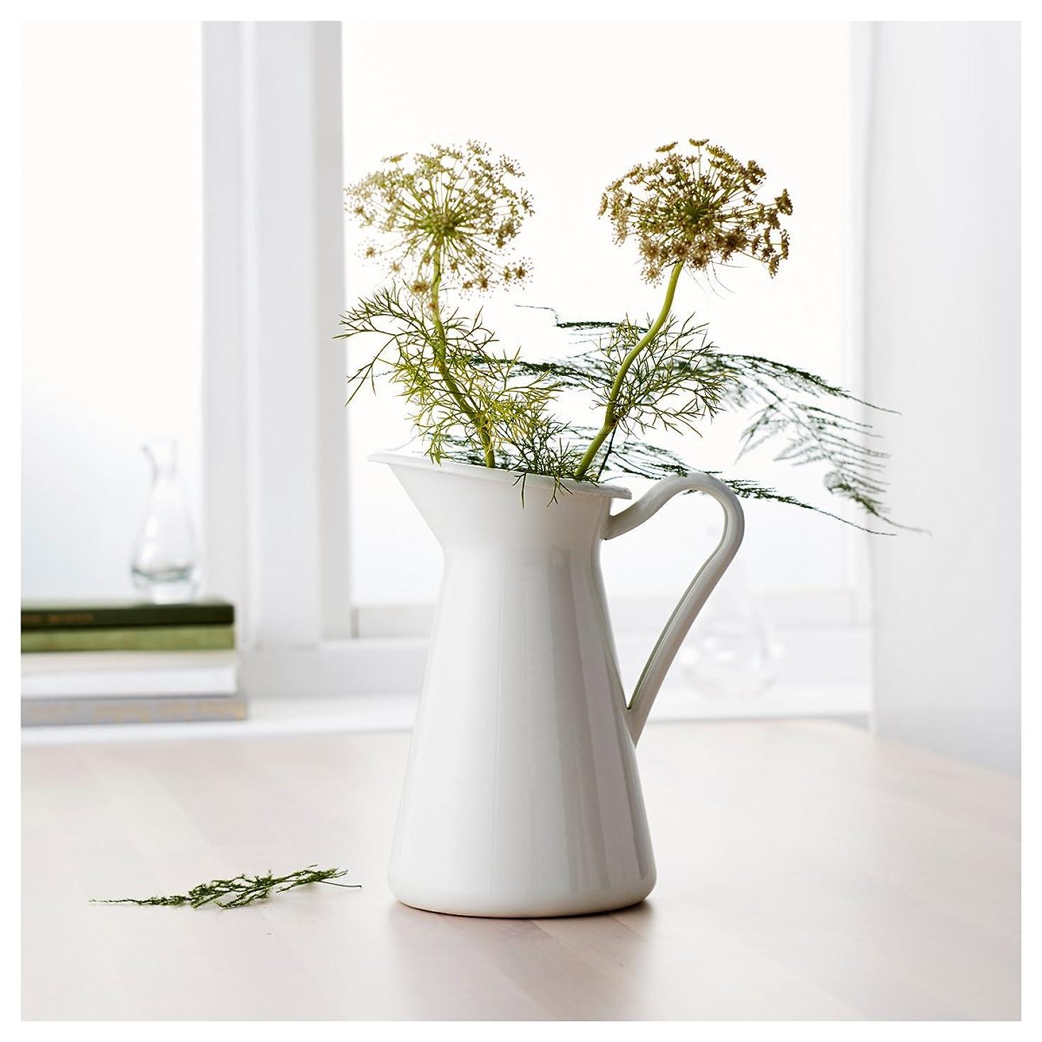 クインウィンド 白いヴィンテージみすぼらしいシックなクリーム花瓶エナメルピッチャー水差しポット背の高い金属の結婚式の装飾 -