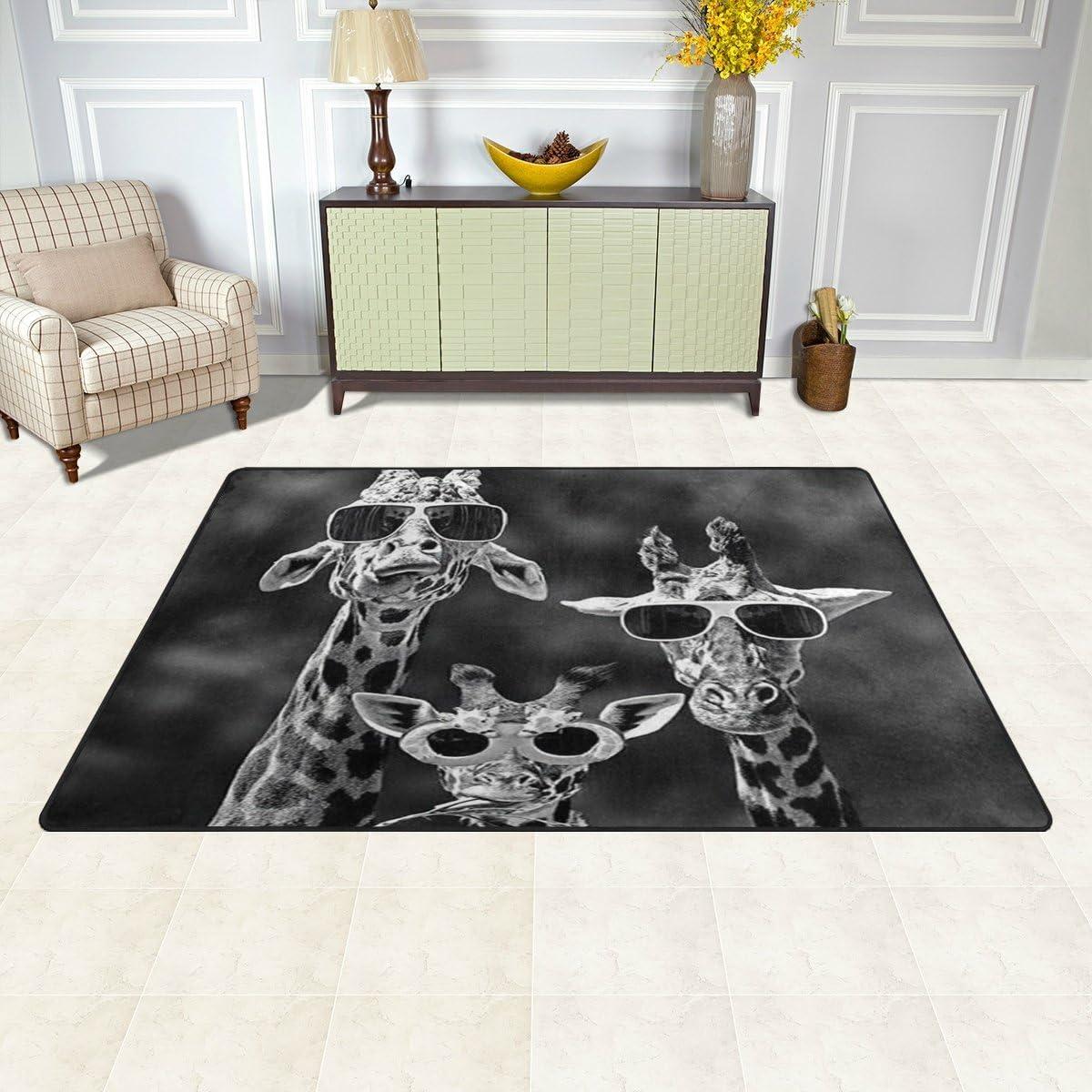 1.7 x 2.6 ft Naanle Hippie Giraffe Funny Animal Non Slip Area Rug for Living Dinning Room Bedroom Kitchen 50 x 80 cm Animal Giraffe Nursery Rug Floor Carpet Yoga Mat