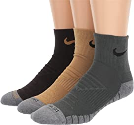 954c2884a8 Nike Sneaker Sox Essential Ankle Socks 2-Pair Pack at Zappos.com