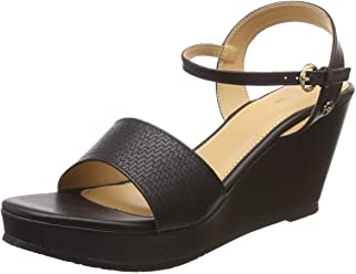 BATA Women's Finn Fashion Sandals