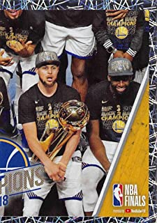 2018-19 Panini NBA Stickers #458 Stephen Curry Team Photo Right Side Foil Golden State Warriors NBA Basketball Sticker Trading Card