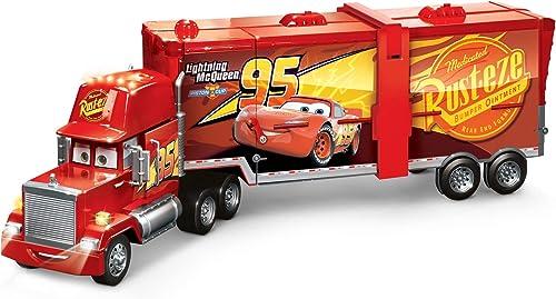 Mattel FPK72 - Disney Pixar Cars 2 in 1 Macks Mega Rennwelt Spielzeug Transporter, Rennbahn und Truck mit Lichtern und Ger chen, Kinder Spielzeug ab 4 Jahren