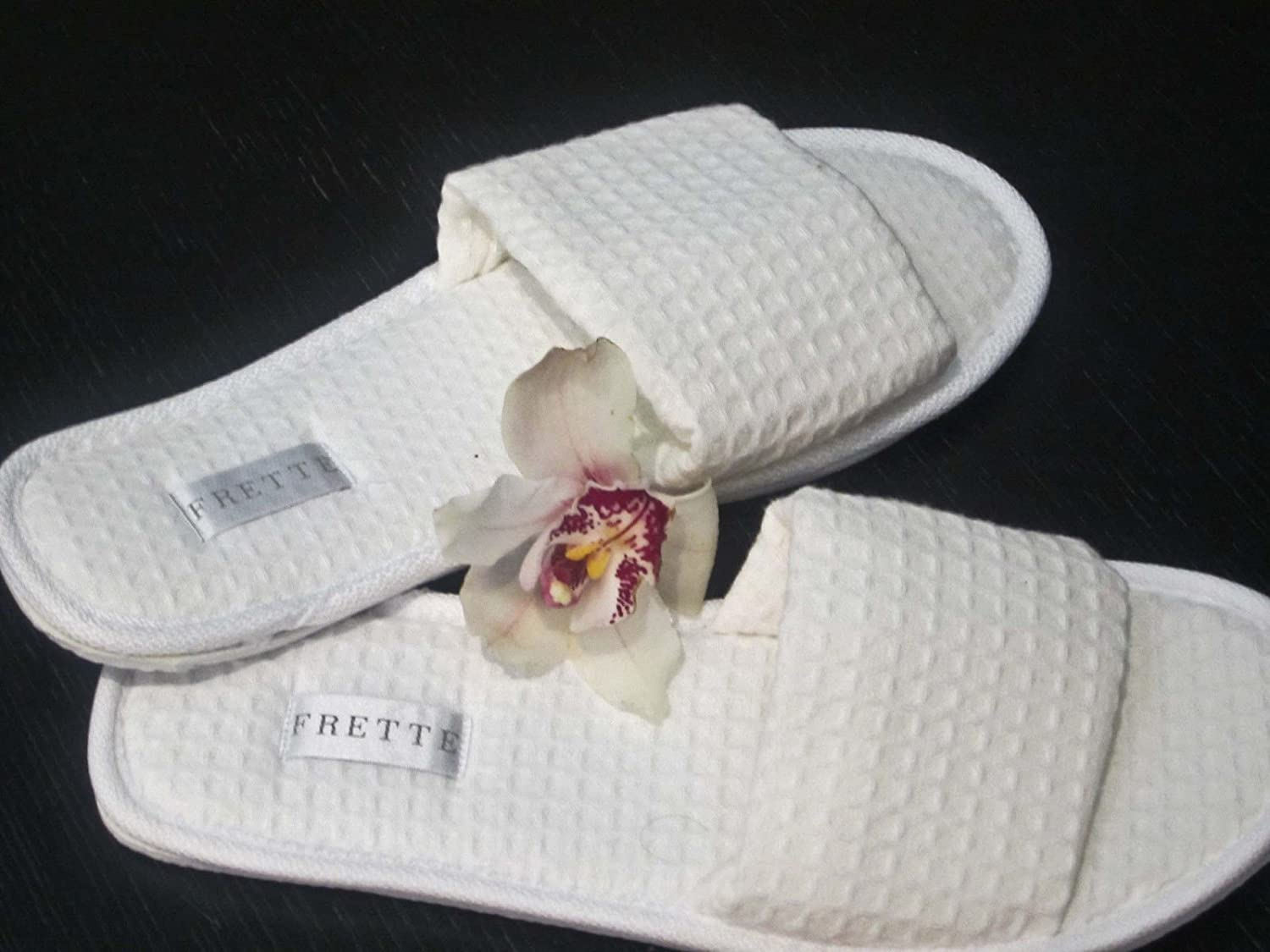 OFFicial mail order FRETTE Hotel Collection White Open-Toe Waffle Weave Spa Slippers Challenge the lowest price of Japan