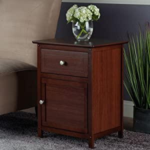 Winsome Wood Eugene Accent Table, Walnut (Deluxe/Walnut)