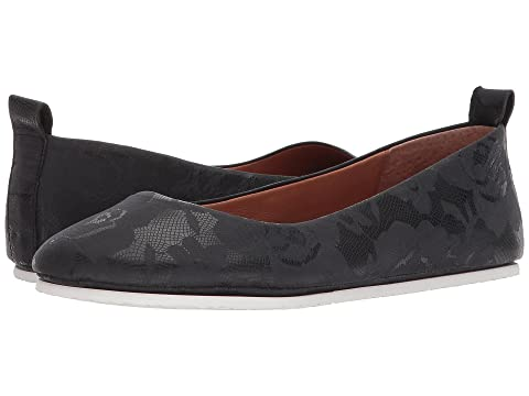 GENTLE SOULS BY KENNETH COLE Dana, Printed Black Leather