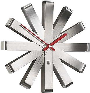 UMBRA Ribbon Clock. Horloge murale silencieuse Ribbon, en métal, coloris nickel. Dimension : 30.5cm de diamètre x 5.7cm d'...