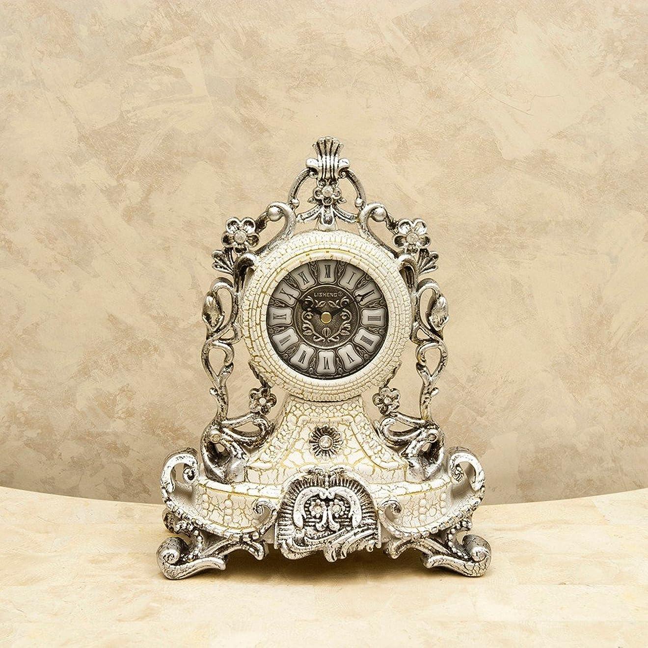ブラインドしみ急ぐ置き時計 オシャレなデザインの ロココ調 テーブルクロック ホワイト