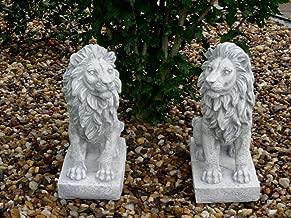 Steinfigur Tierfigur Löwe sitzender rechts schauend grau patiniert Weißbeton