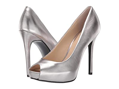 GUESS Honorey (Pewter) Women