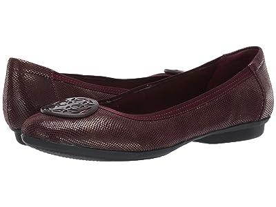 Clarks Gracelin Lola (Burgundy Interest Leather) Women