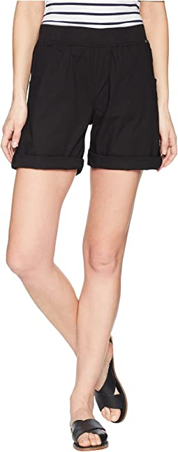 Serene Poplin Pull-On Shorts in Black