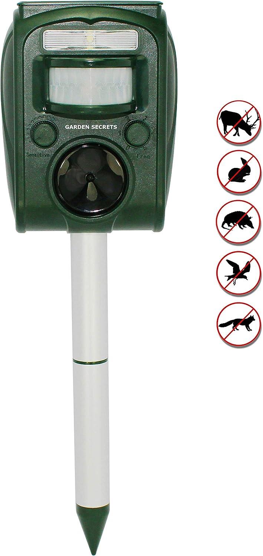 GARDEN SECRETS Compact Solar Las Topics on TV Vegas Mall Ultrasonic Animal Repellent. Skunk