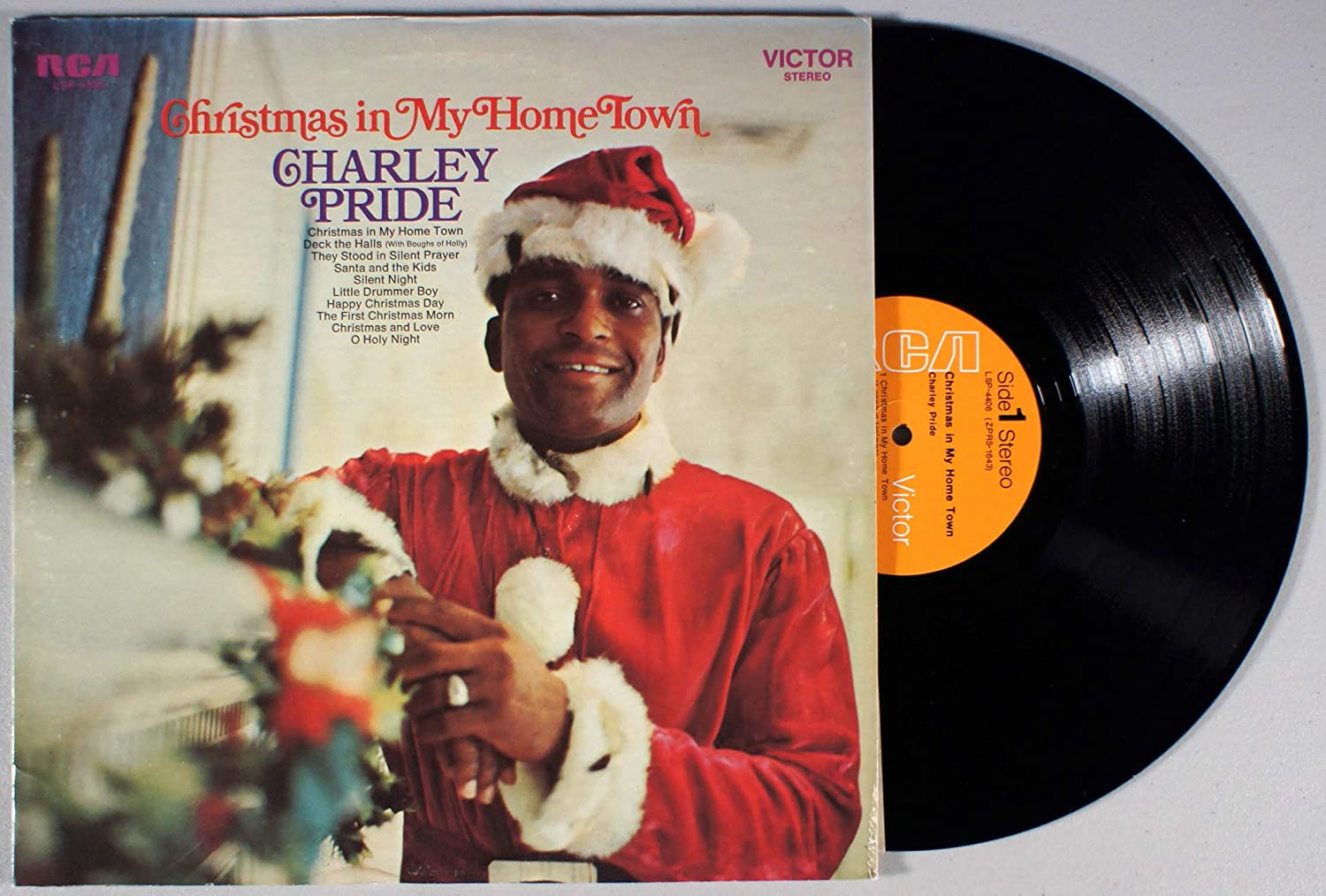 Christmas in My Home Town - CHARLEY PRIDE