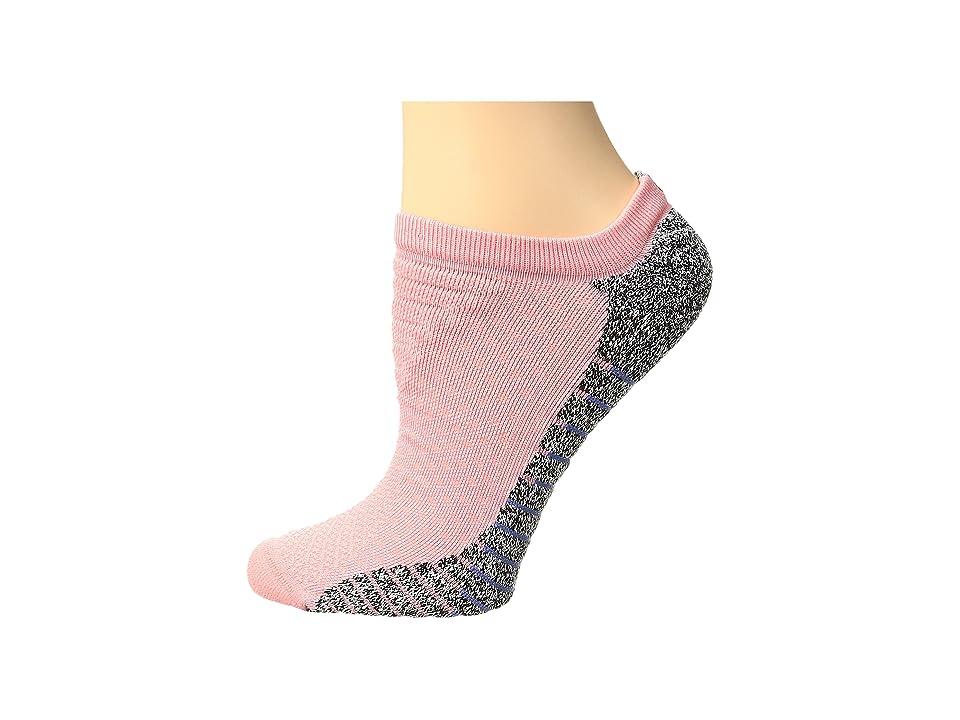 Nike NIKEGRIP Lightweight No Show Training Socks (Bright Melon/Medium Blue) Women