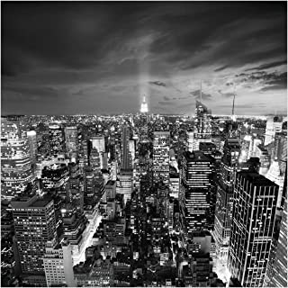 Wallario Glasbild New York bei Nacht - Panoramablick über die Stadt - schwarzweiß - 50 x 50 cm in Premium-Qualität: Brillante Farben, freischwebende Optik