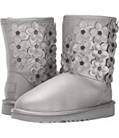 UGG Kids - Classic Short Flora (Little Kid/Big Kid)