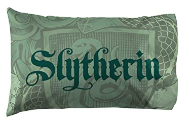 Jay Franco Harry Potter House of Slytherin Reversible Pillowcase, Green