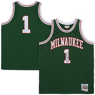 Oscar Robertson Milwaukee Bucks Autographed Mitchell & Ness Green Replica Jersey with