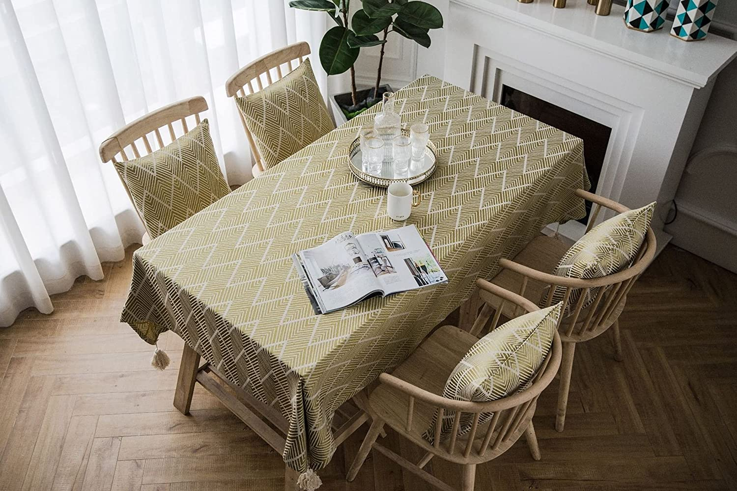 Agoble Camping Tablecloth Max 61% OFF Yellow Jacquard Tassels 4 Opening large release sale Wave Shape