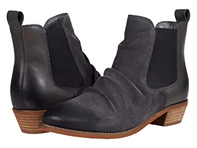 SoftWalk Rockford (Charcoal Leather) Women