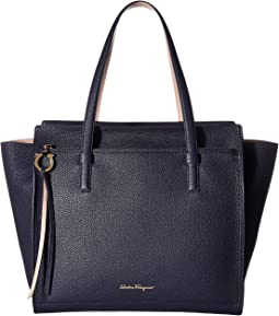 Salvatore Ferragamo Amy 21F215
