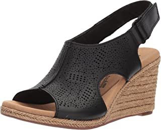 89c5e9c72 Amazon.com  CLARKS - Platforms   Wedges   Sandals  Clothing