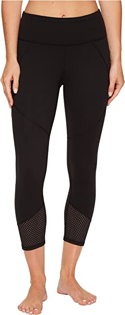 Lucy - To The Barre Textured Capri Leggings