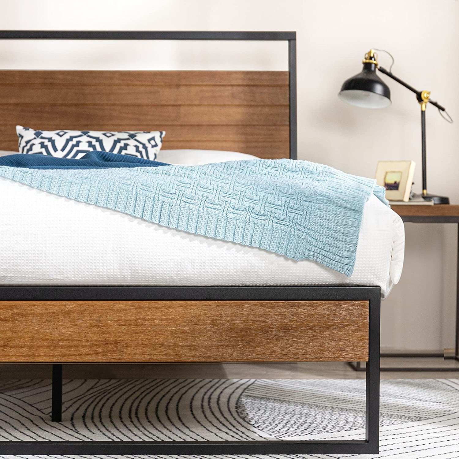 ZINUS Suzanne 44 Over item handling ☆ Inch Metal and Platform Frame low-pricing Bed Solid Wood