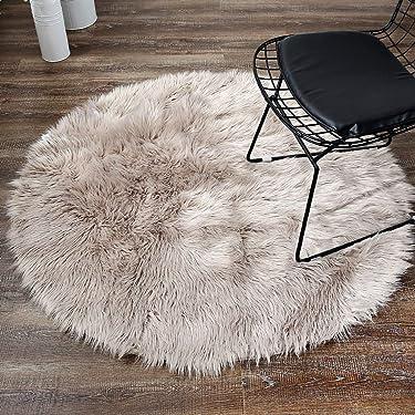 LEEVAN Plush Sheepskin Style Round Throw Rug Faux Fur Elegant Chic Style Cozy Shaggy Round Rug Floor Mat Area Rugs Home Decorator Super Soft Carpets Kids Play Rug, Coffee 4 ft Diameter