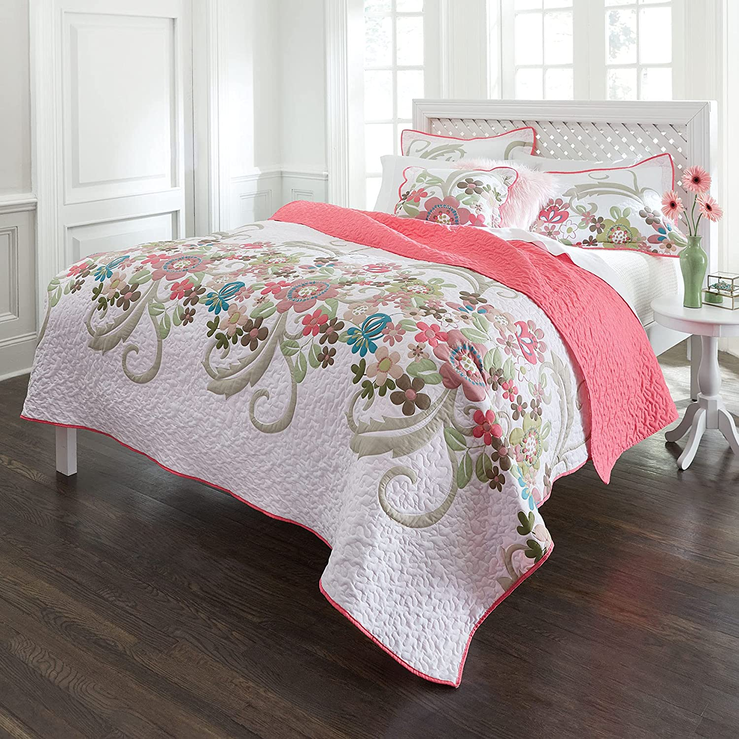 BrylaneHome Jardin Floral Spring Quilt Queen Full We OFFer at cheap prices White wholesale - Pink