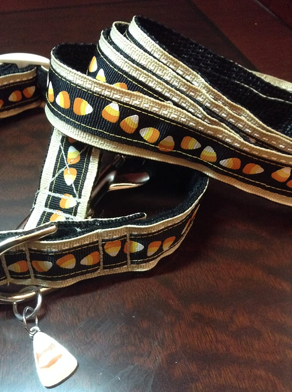 Candy corn dog collar. 13 17 , 58  leash