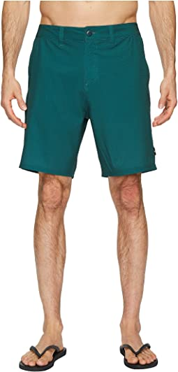 "Base Camp 19"" Hybrid Walkshorts"