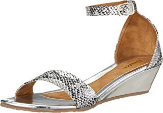 BATA Women's Duffy Golden Fashion Sandals