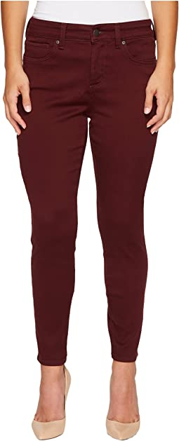 NYDJ Petite Petite Ami Skinny Legging Jeans in Super Sculpting Denim in Deep Currant