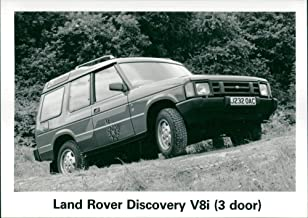 Vintage photo of Land Rover Discovery V8i.