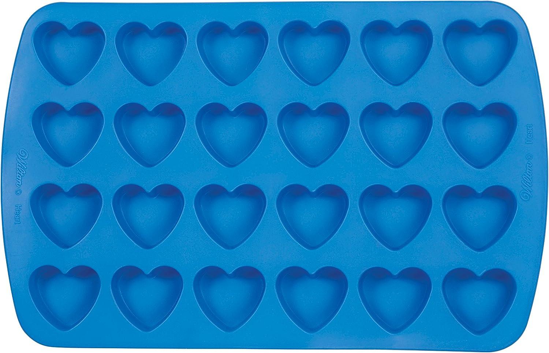 قالب سيليكون شكل قلب سهل المرونة من ويلتون، 24 تجويف لمكعبات الثلج، جيلاتين، الخبز والحلوى