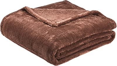 "Amazon Basics Soft and Cozy, Plush Blanket - 50"" x 60"", Brown"