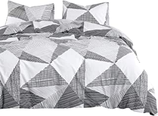 Wake In Cloud - Geometric Comforter Set, 100% Cotton Fabric with Soft Microfiber Fill Bedding, Triangle Modern Pattern Printed in Black White and Gray Grey (3pcs, King Size)
