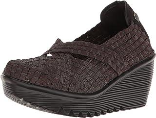 حذاء كليوباترا النسائي بكعب عالٍ من بيرني ميف.