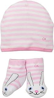 مجموعة ملابس من عدة قطع للفتيات الرضع تقدم كهدية من كالفن كلاين