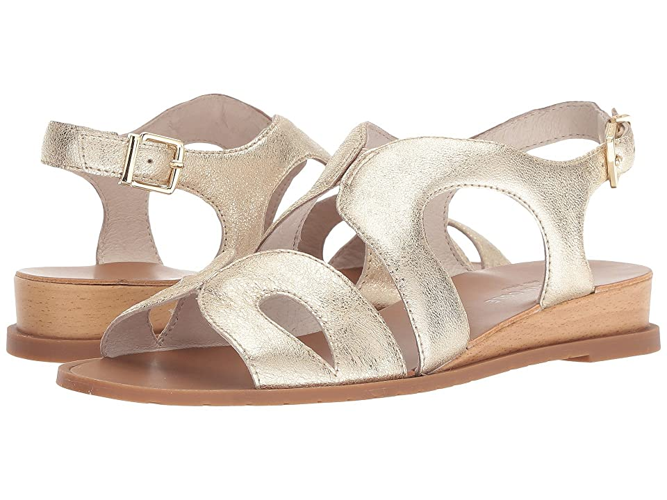 Kenneth Cole New York Jules (Soft Gold) Women