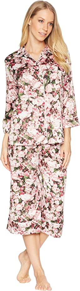 Photoreal Bouquet Satin Capris Pajama Set