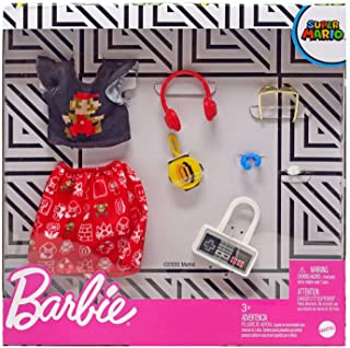 Barbie Storytelling Fashion Pack of Doll Clothes Inspired by Super Mario: Graphic Top, Print Skirt & 6 Video Game-Themed A...