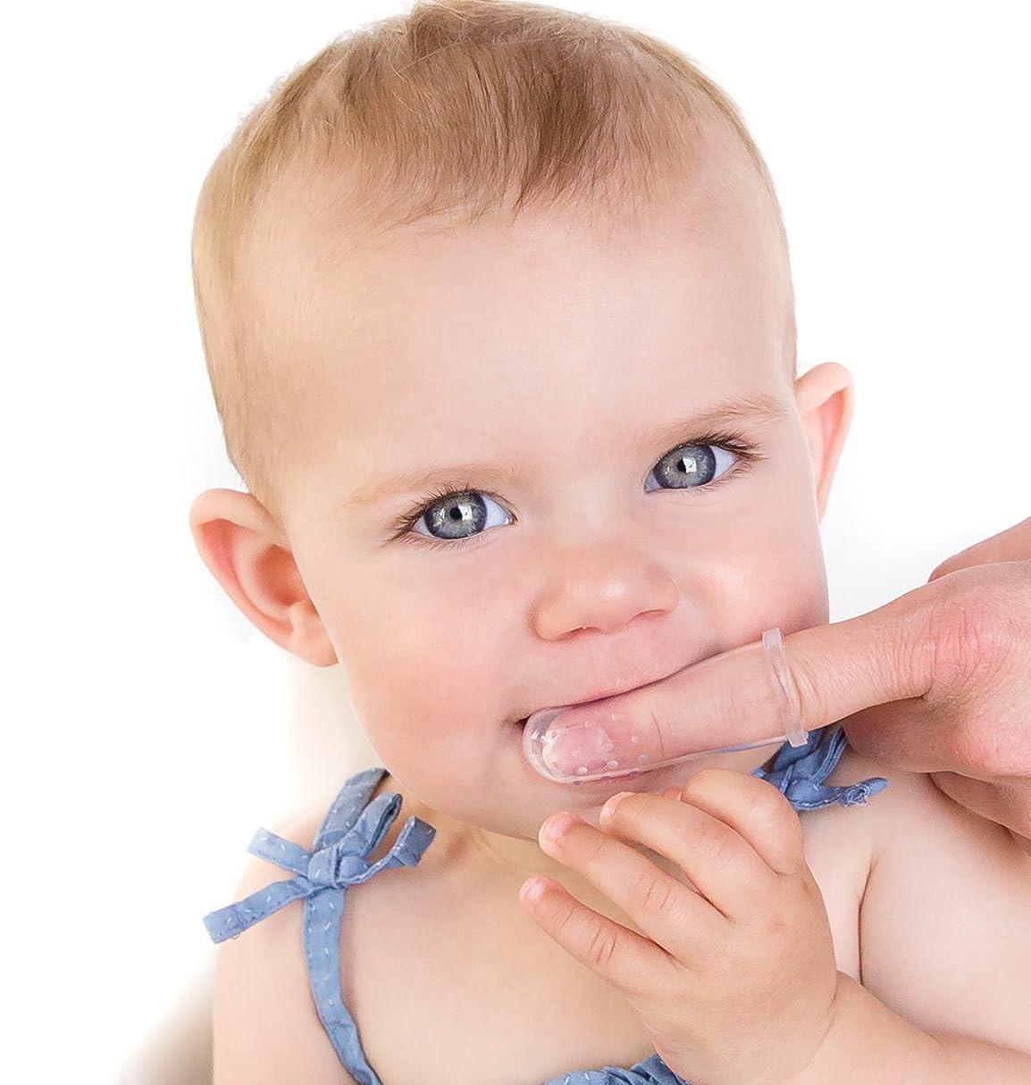 インレイスリラーコジオスコNuby 2-Packオーラルマッサージャーと歯ブラシ
