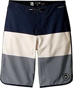 Quiksilver Kids - Highline Tijuana Scallop Boardshorts (Big Kids)