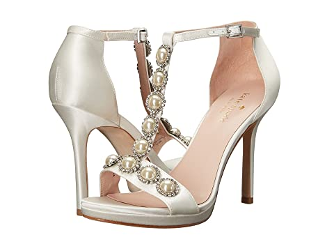 215ad7c0c5d Can we talk shoes  I would love to see what you wore are planning to ...