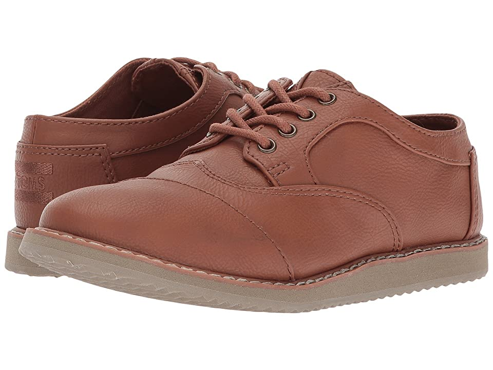 TOMS Kids Brogue (Little Kid/Big Kid) (Toffee Synthetic Leather) Boy