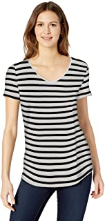 0a326ac400 Amazon Essentials Women's Short-Sleeve V-Neck