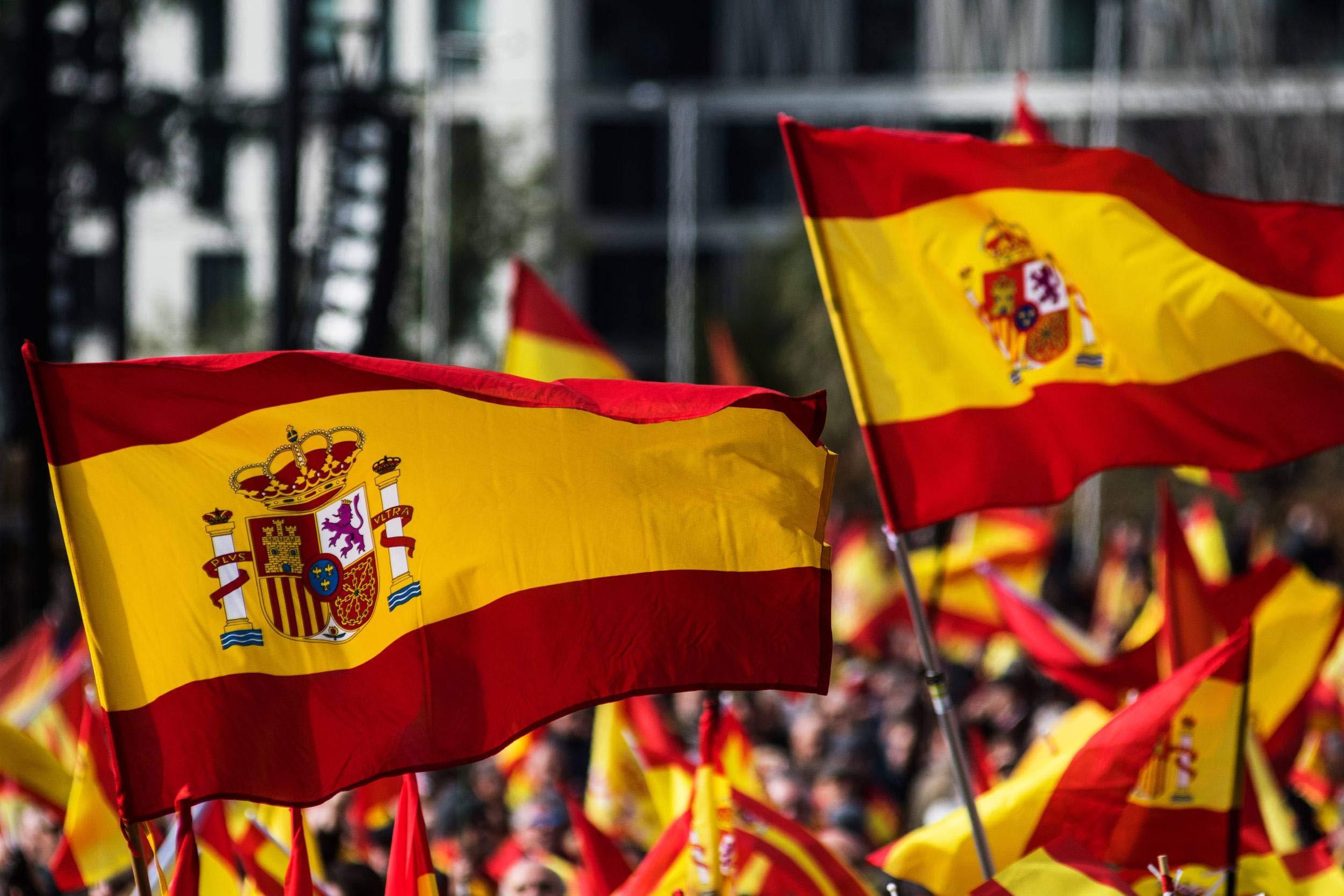 KliKil Bandera España Grande - 1 Bandera de España para Balcon, Bandera Española para Exterior Jardin y colgarlo en un Mastil, Spanish Flag - 150x90 cm…: Amazon.es: Jardín